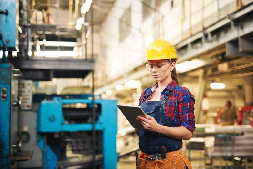 O bom funcionamento do setor de manutenção vem como o gestor conduz os trabalhos, sendo importante papel desempenhado pelos históricos de manutenção.
