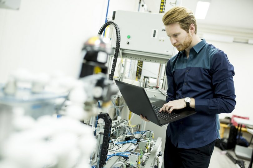 A engenharia de manutenção na indústria farmacêutica é um tópico que merece muita atenção, utilize ferramentas que integram funcionários.