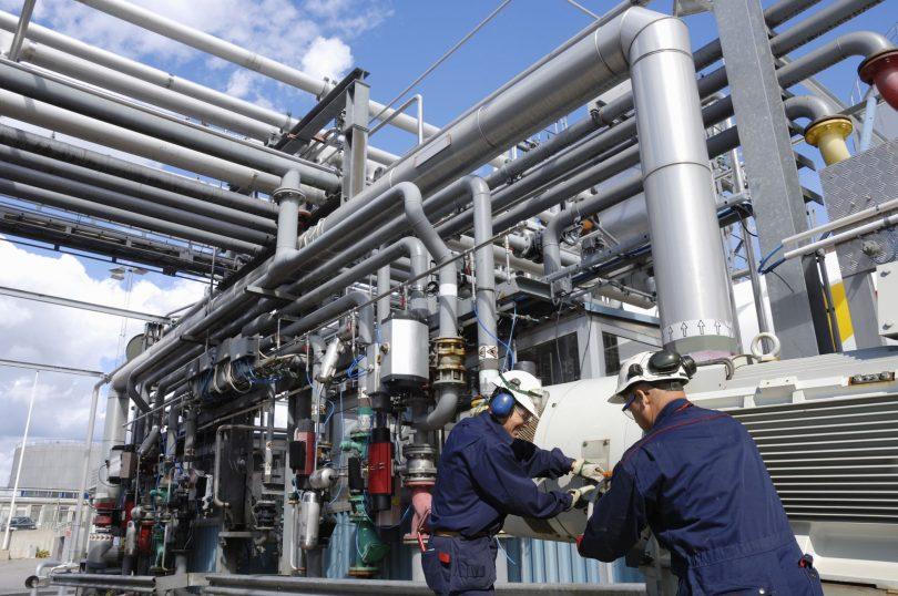 Existe todo um aparato tecnológico que pode ajudar a efetivar manutenções mais seguras evitando erros na manutenção industrial.