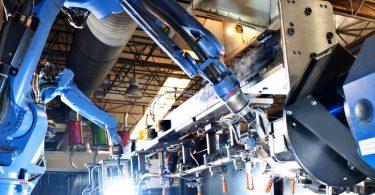 Por meio de máquinas inteligentes, softwares e outros recursos, a automação de processos industriais se transformou em realidade.