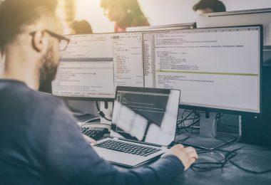 uso de um software web pode ser um recurso essencial para as organizações que buscam aumentar a eficiência no controle das suas atividades.