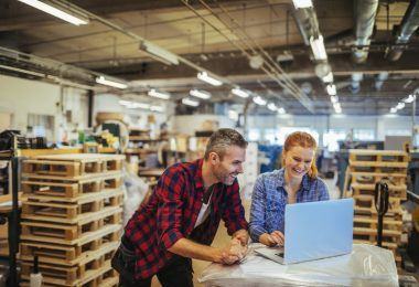 O Engeman® é um software de manutenção destinado a gestores e operadores de manutenção que desejam uma solução completa para gerir sua empresa.