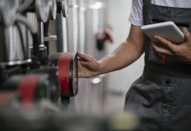 Para que haja um gerenciamento completo de uma empresa é fundamental que os gestores implementem um software de controle da manutenção adequado